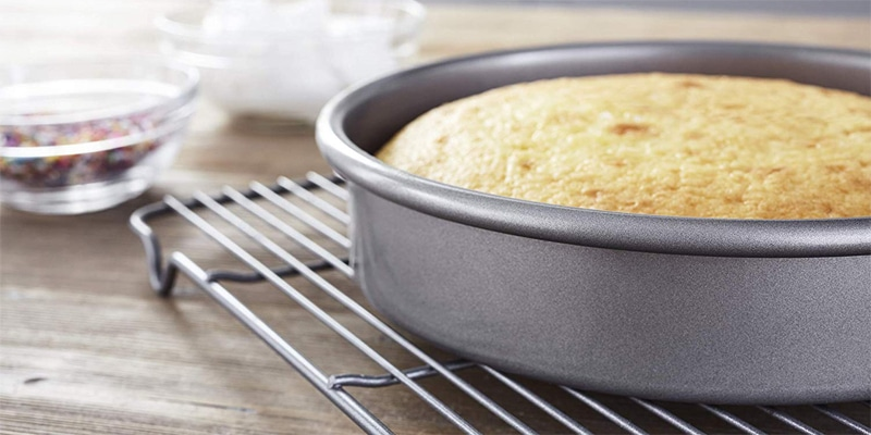 Chicago Metallic Professional Round Cake Pan